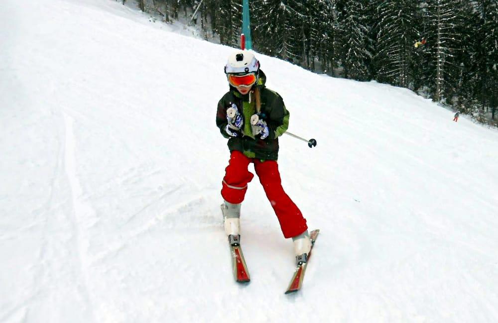 Весняні канікули: дітей на лижі-сноуборди і в Карпати