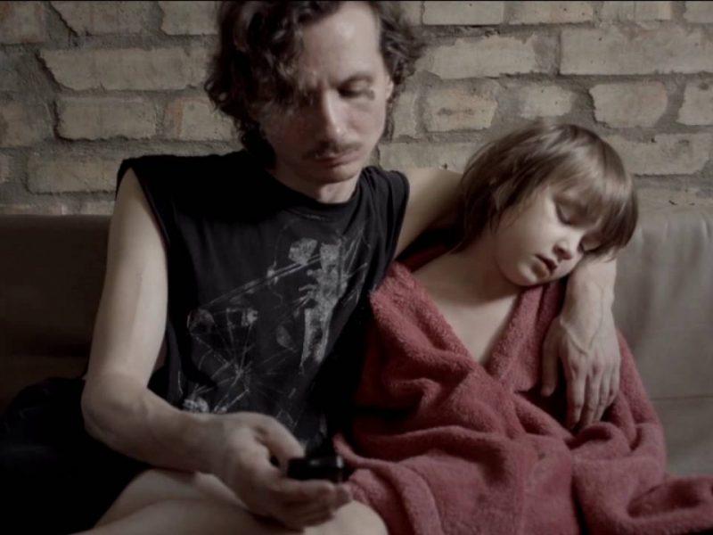 """""""Тато мамин брат"""". Фільм про чоловіка, який замінив маму і тата племінниці, покажуть на DOCUDAYS"""