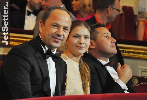 Міжнародне викрадення. Екс-міністр Тігіпко допоміг розлучити онуків із їхнім батьком